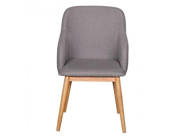 chaise noire scandinave
