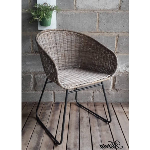 chaise scandinave pied gris